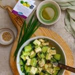 Gurken-Feta Salat mit Ingwer-Sesamöl