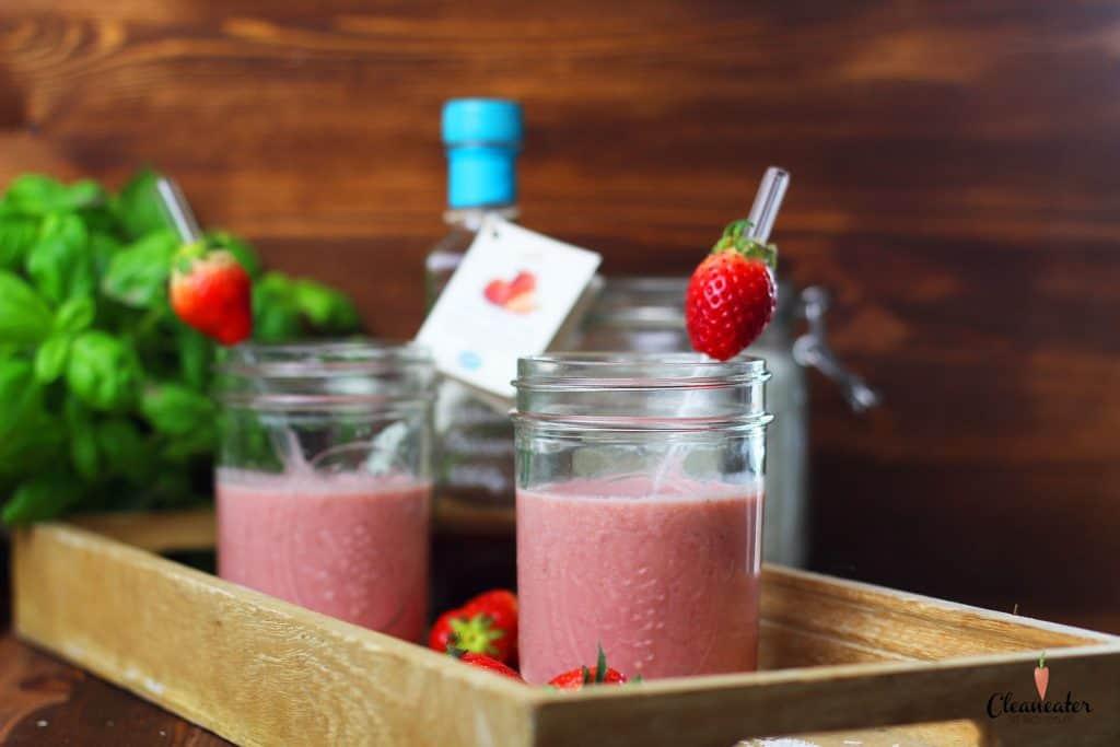 Erdbeer-Smoothie mit Erdbeer Balsam-Essig