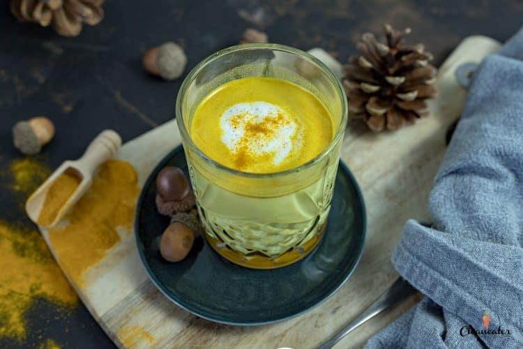 Kurkuma Latte mit nativem Kokosöl