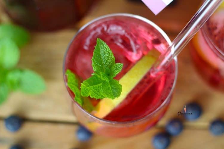 Heidelbeer-Minze-Limonade mit Heidelbeer Balsam Star