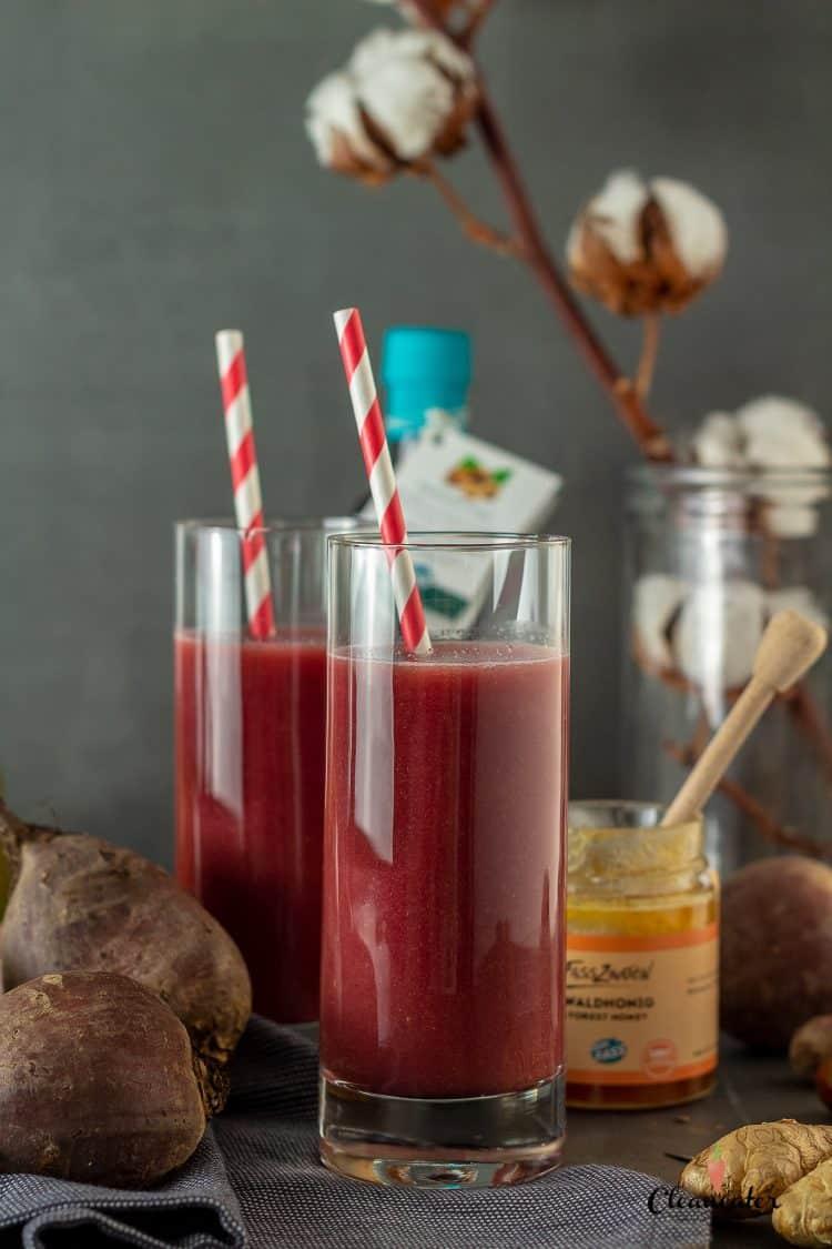 Winter-Smoothie: Rote Beete-Smoothie mit Haselnussöl