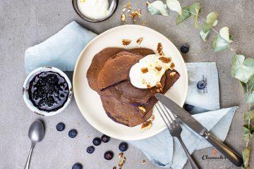 Blaubeer-Pfannkuchen mit Kokosoel