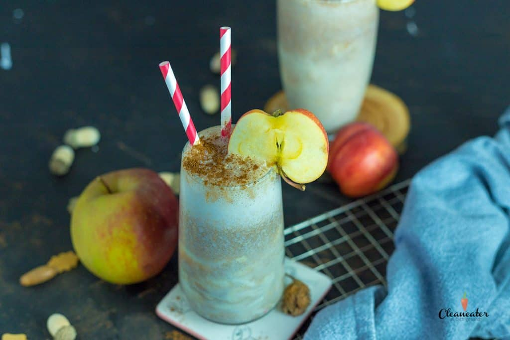Apfel-Zimt Smoothie mit Cashew Sahne
