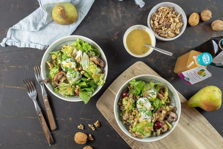 Blattsalat mit Ziegenkäse und Walnussöl