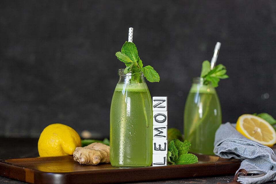 Ayurvedische Kräuter-Limonade mit Calamansi Balsam